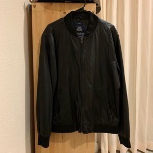 American Rag Men's black faux leather jacket, L.